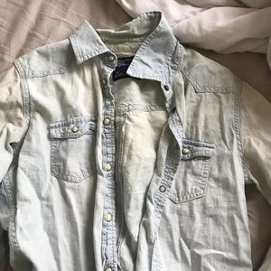 american eagle distressed denim button up